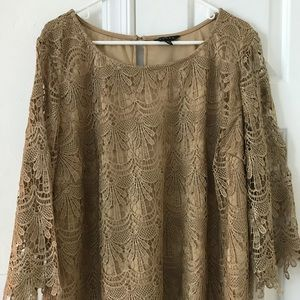 Gorgeous Lacy 3/4 sleeve top